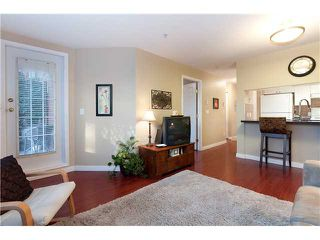 """Photo 2: 107 929 W 16TH Avenue in Vancouver: Fairview VW Condo for sale in """"Oakview Gardens"""" (Vancouver West)  : MLS®# V921322"""