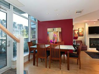 Photo 4: TH33 1281 W CORDOVA Street in Vancouver: Coal Harbour Condo for sale (Vancouver West)  : MLS®# V990509