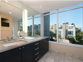 Photo 7: TH33 1281 W CORDOVA Street in Vancouver: Coal Harbour Condo for sale (Vancouver West)  : MLS®# V990509