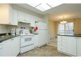 "Photo 5: 110 2551 PARKVIEW Lane in Port Coquitlam: Central Pt Coquitlam Condo for sale in ""THE CRESCENT"" : MLS®# V1041287"