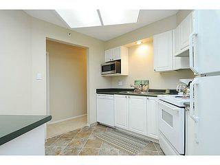 "Photo 6: 110 2551 PARKVIEW Lane in Port Coquitlam: Central Pt Coquitlam Condo for sale in ""THE CRESCENT"" : MLS®# V1041287"