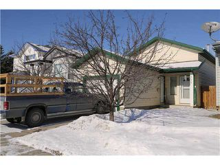 Photo 1: 121 APPLEBURN Close SE in CALGARY: Applewood Residential Detached Single Family for sale (Calgary)  : MLS®# C3603753