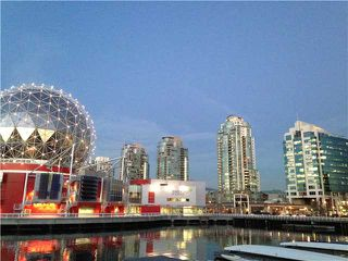 """Main Photo: 1802 1188 QUEBEC Street in Vancouver: Mount Pleasant VE Condo for sale in """"CITYGATE ONE"""" (Vancouver East)  : MLS®# V1055231"""