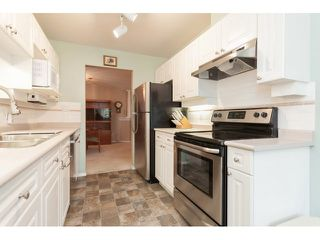 "Photo 10: 310 16085 83 Avenue in Surrey: Fleetwood Tynehead Condo for sale in ""Fairfield House"" : MLS®# F1442626"