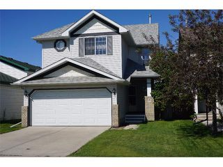 Photo 1: 25 MARTIN CROSSING Green NE in Calgary: Martindale House for sale : MLS®# C4017520