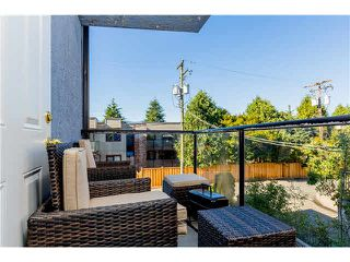 Photo 4: 204 1055 E BROADWAY in Vancouver: Mount Pleasant VE Condo for sale (Vancouver East)  : MLS®# V1137410