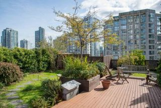 """Photo 18: 210 1178 HAMILTON Street in Vancouver: Yaletown Condo for sale in """"THE HAMILTON"""" (Vancouver West)  : MLS®# R2070538"""