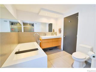 Photo 13: 703 Walker Avenue in Winnipeg: Fort Rouge Residential for sale (1Aw)  : MLS®# 1622099