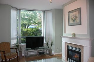 """Photo 3: 1 6611 SOUTHOAKS Crescent in Burnaby: Highgate Townhouse for sale in """"GEMINI I"""" (Burnaby South)  : MLS®# R2111213"""