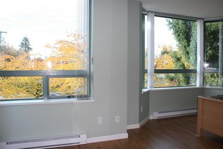 """Photo 8: 1 6611 SOUTHOAKS Crescent in Burnaby: Highgate Townhouse for sale in """"GEMINI I"""" (Burnaby South)  : MLS®# R2111213"""