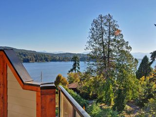 Photo 1: 6576 Goodmere Rd in : Sk Sooke Vill Core Row/Townhouse for sale (Sooke)  : MLS®# 744539