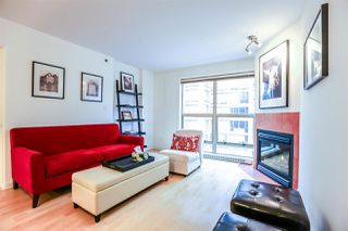 "Photo 10: 808 819 HAMILTON Street in Vancouver: Downtown VW Condo for sale in ""EIGHT ONE NINE"" (Vancouver West)  : MLS®# R2118682"