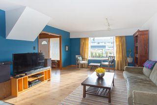 "Photo 2: 40430 CHEAKAMUS Way in Squamish: Garibaldi Estates House for sale in ""Garibaldi Estates"" : MLS®# R2125463"