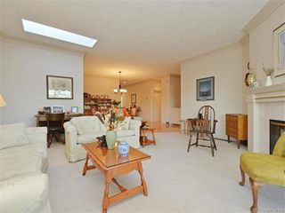 Photo 8: 11 4300 Stoneywood Lane in VICTORIA: SE Broadmead Row/Townhouse for sale (Saanich East)  : MLS®# 748264