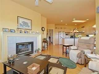 Photo 6: 11 4300 Stoneywood Lane in VICTORIA: SE Broadmead Row/Townhouse for sale (Saanich East)  : MLS®# 748264