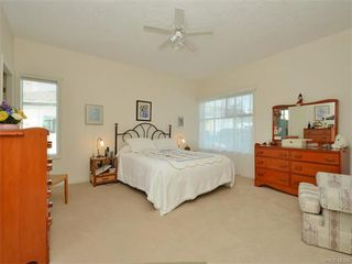 Photo 12: 11 4300 Stoneywood Lane in VICTORIA: SE Broadmead Townhouse for sale (Saanich East)  : MLS®# 372924