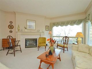 Photo 9: 11 4300 Stoneywood Lane in VICTORIA: SE Broadmead Townhouse for sale (Saanich East)  : MLS®# 372924