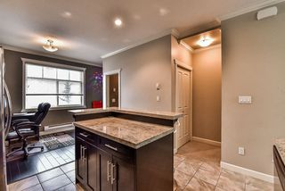 Photo 2: 62 16355 82 Avenue in Surrey: Fleetwood Tynehead Townhouse for sale : MLS®# R2143847