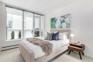 "Photo 12: 702 1887 CROWE Street in Vancouver: False Creek Condo for sale in ""PINNACLE LIVING"" (Vancouver West)  : MLS®# R2161379"