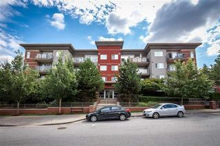 "Photo 1: 307 3240 ST JOHNS Street in Port Moody: Port Moody Centre Condo for sale in ""THE SQUARE"" : MLS®# R2168611"
