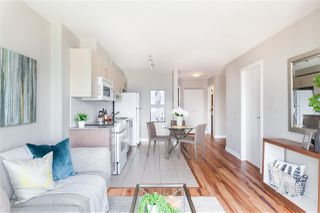 """Photo 2: 2306 550 TAYLOR Street in Vancouver: Downtown VW Condo for sale in """"THE TAYLOR"""" (Vancouver West)  : MLS®# R2213216"""