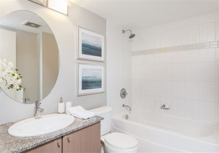 """Photo 7: 2306 550 TAYLOR Street in Vancouver: Downtown VW Condo for sale in """"THE TAYLOR"""" (Vancouver West)  : MLS®# R2213216"""