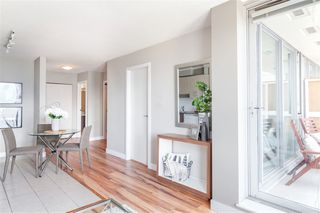 """Photo 4: 2306 550 TAYLOR Street in Vancouver: Downtown VW Condo for sale in """"THE TAYLOR"""" (Vancouver West)  : MLS®# R2213216"""