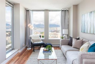 """Photo 1: 2306 550 TAYLOR Street in Vancouver: Downtown VW Condo for sale in """"THE TAYLOR"""" (Vancouver West)  : MLS®# R2213216"""