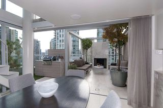 "Photo 9: 1207 822 SEYMOUR Street in Vancouver: Downtown VW Condo for sale in ""L'aria"" (Vancouver West)  : MLS®# R2215958"