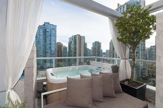 "Photo 16: 1207 822 SEYMOUR Street in Vancouver: Downtown VW Condo for sale in ""L'aria"" (Vancouver West)  : MLS®# R2215958"