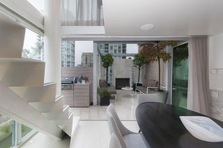 "Photo 7: 1207 822 SEYMOUR Street in Vancouver: Downtown VW Condo for sale in ""L'aria"" (Vancouver West)  : MLS®# R2215958"