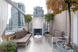"Photo 1: 1207 822 SEYMOUR Street in Vancouver: Downtown VW Condo for sale in ""L'aria"" (Vancouver West)  : MLS®# R2215958"