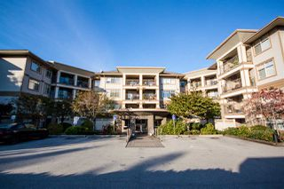 "Photo 2: 118 12248 224 Street in Maple Ridge: East Central Condo for sale in ""URBANO"" : MLS®# R2219429"
