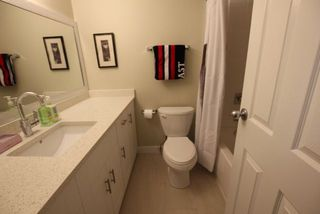 "Photo 10: 14821 HOLLY PARK Lane in Surrey: Guildford Townhouse for sale in ""HOLLY PARK LANE"" (North Surrey)  : MLS®# R2226961"