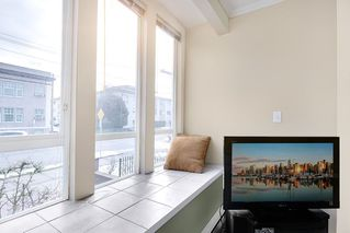 "Photo 3: 203 2825 ALDER Street in Vancouver: Fairview VW Condo for sale in ""BRETON MEWS"" (Vancouver West)  : MLS®# R2248577"