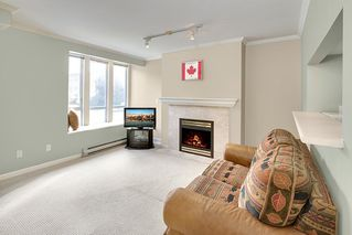 "Photo 2: 203 2825 ALDER Street in Vancouver: Fairview VW Condo for sale in ""BRETON MEWS"" (Vancouver West)  : MLS®# R2248577"