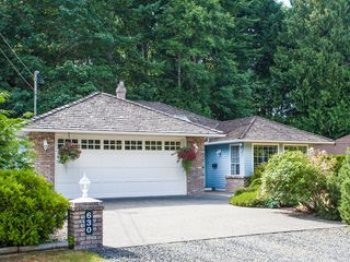 Photo 2: 630 Yambury Rd in Qualicum Beach: House for sale : MLS®# 378843