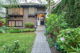 "Photo 2: 3826 W 18TH Avenue in Vancouver: Dunbar House for sale in ""DUNBAR"" (Vancouver West)  : MLS®# R2270418"