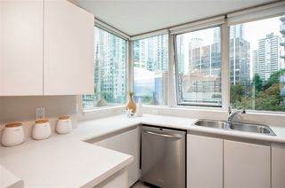 "Photo 8: 706 555 JERVIS Street in Vancouver: Coal Harbour Condo for sale in ""Harbourside Park"" (Vancouver West)  : MLS®# R2307295"