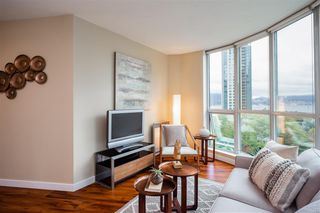 "Photo 3: 706 555 JERVIS Street in Vancouver: Coal Harbour Condo for sale in ""Harbourside Park"" (Vancouver West)  : MLS®# R2307295"