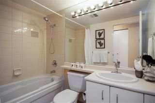 """Photo 11: 706 555 JERVIS Street in Vancouver: Coal Harbour Condo for sale in """"Harbourside Park"""" (Vancouver West)  : MLS®# R2307295"""