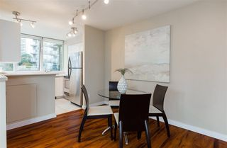 """Photo 6: 706 555 JERVIS Street in Vancouver: Coal Harbour Condo for sale in """"Harbourside Park"""" (Vancouver West)  : MLS®# R2307295"""