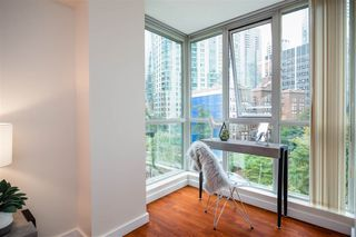 "Photo 10: 706 555 JERVIS Street in Vancouver: Coal Harbour Condo for sale in ""Harbourside Park"" (Vancouver West)  : MLS®# R2307295"