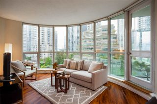 """Photo 2: 706 555 JERVIS Street in Vancouver: Coal Harbour Condo for sale in """"Harbourside Park"""" (Vancouver West)  : MLS®# R2307295"""