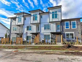 Main Photo: 37 5867 129 Street in Surrey: Panorama Ridge Townhouse for sale : MLS®# R2318873