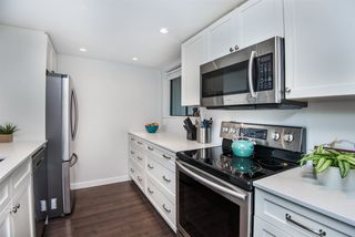 """Photo 4: 861 BLACKSTOCK Road in Port Moody: North Shore Pt Moody Townhouse for sale in """"Woodside Village"""" : MLS®# R2319015"""