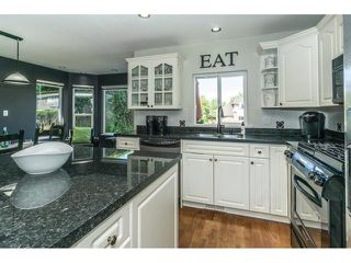 """Photo 5: 20667 91A Avenue in Langley: Walnut Grove House for sale in """"Greenwood Estates - Central Walnut Grove"""" : MLS®# R2319178"""