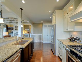 Photo 9: 6437 Fox Glove Terrace in VICTORIA: CS Tanner Single Family Detached for sale (Central Saanich)  : MLS®# 401567