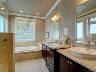 Photo 15: 6437 Fox Glove Terrace in VICTORIA: CS Tanner Single Family Detached for sale (Central Saanich)  : MLS®# 401567