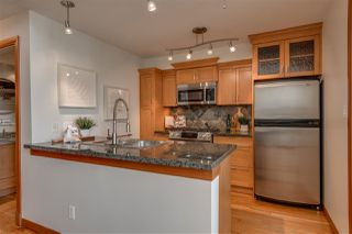 "Photo 10: 523 10 RENAISSANCE Square in New Westminster: Quay Condo for sale in ""MURANO LOFTS"" : MLS®# R2322005"
